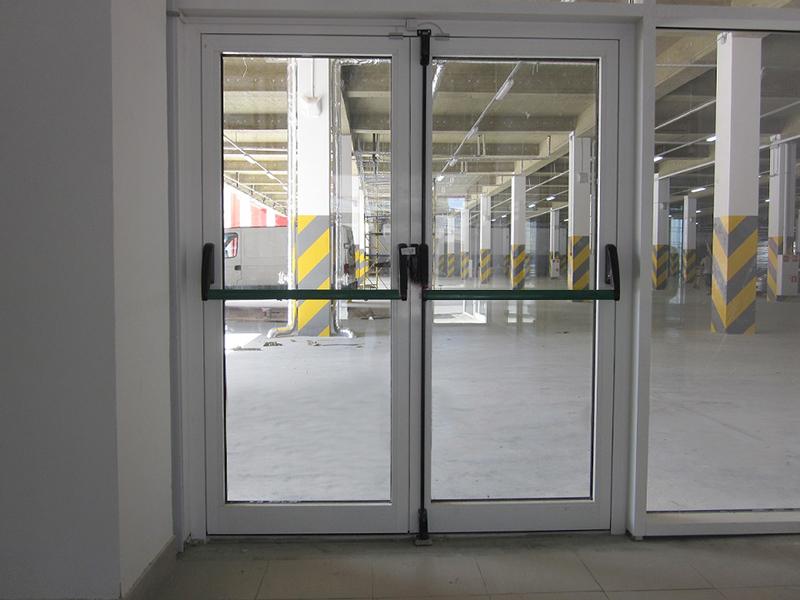 входные двери из алюминия